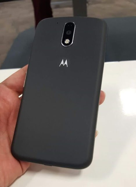 moto-g4plus back
