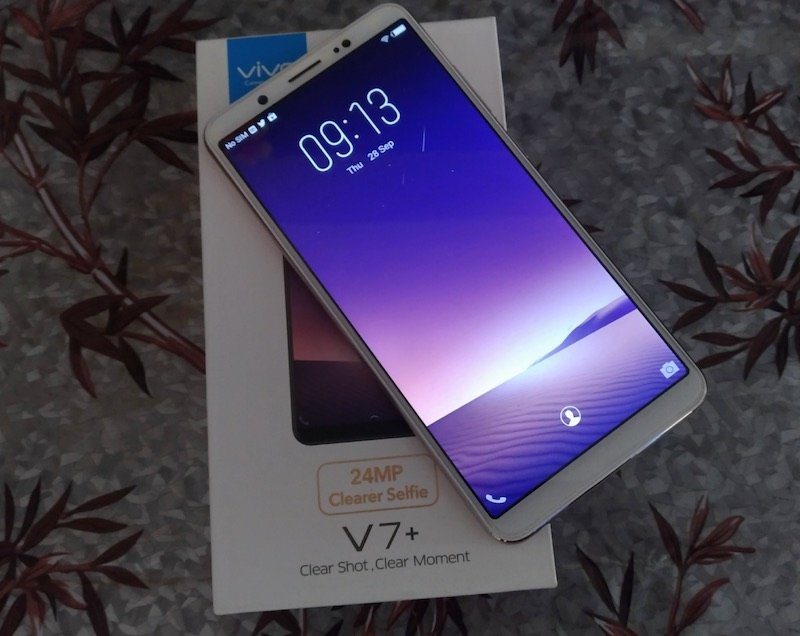 Vivo V7 Selfies Vivo V7+ Review: Small Bezels, Better Selfie, Face Unlock but the Price 1